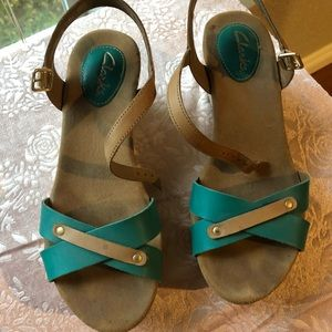 Blue and Tan Clark's Wedges